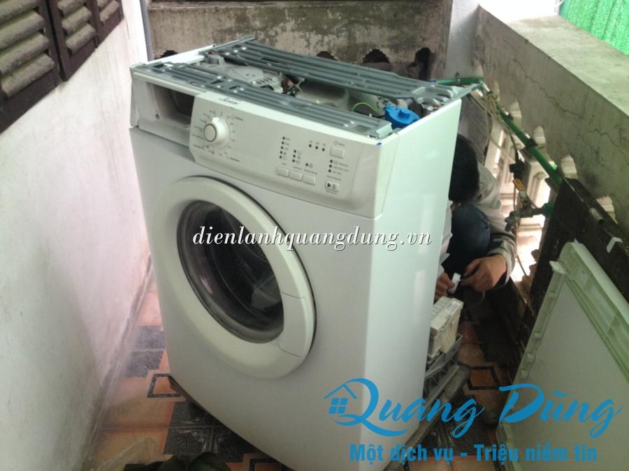 Dịch vụ sửa chữa máy giặt electrolux tại nhà